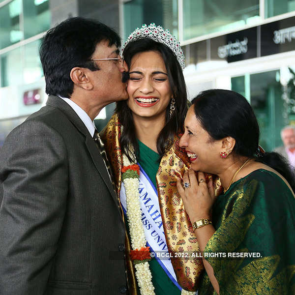 Beauty queens return home to grand reception
