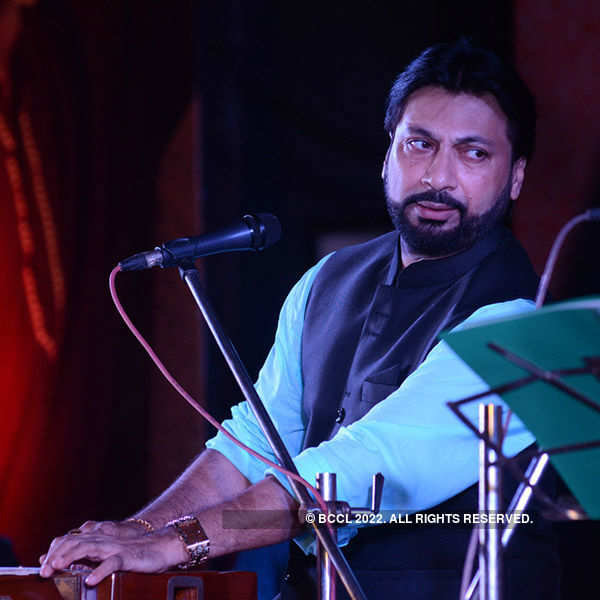 Monomoy Bhattacharya's musical performance
