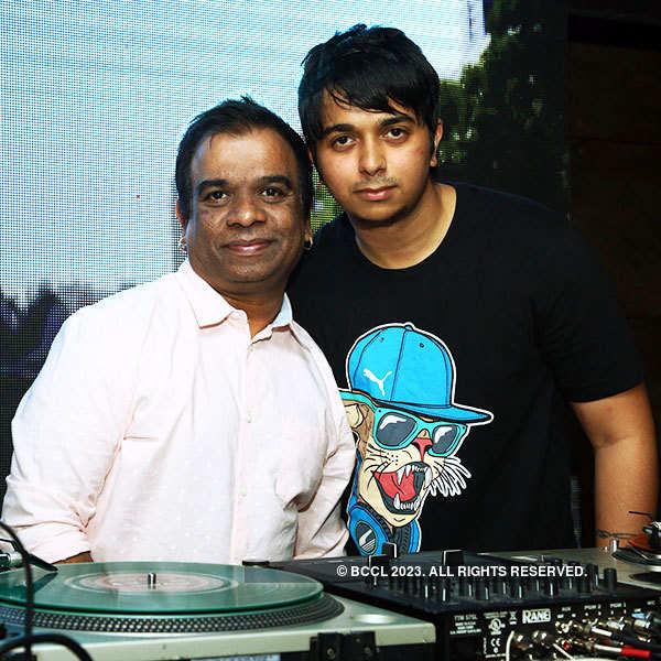 DJ Ivan @ g77 Cafe