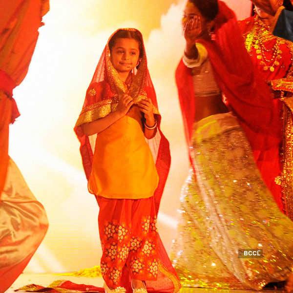 Devanshi - On the sets