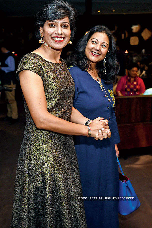 Anjum Chopra throws a grand party