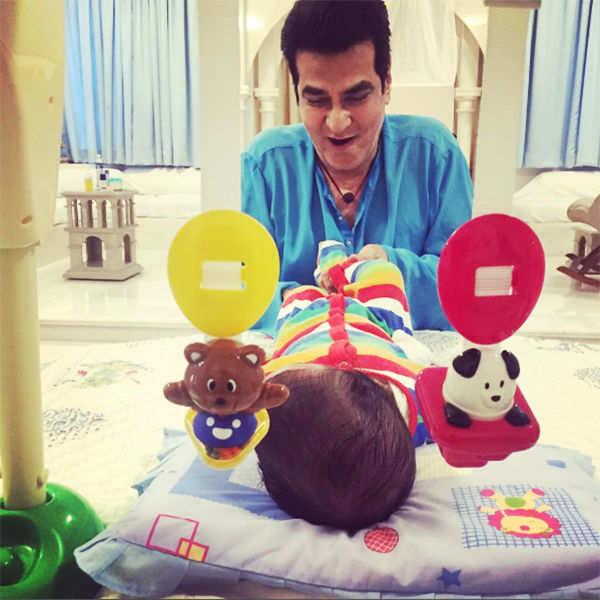 Jeetendra plays with his grandson Laksshya Kapoor