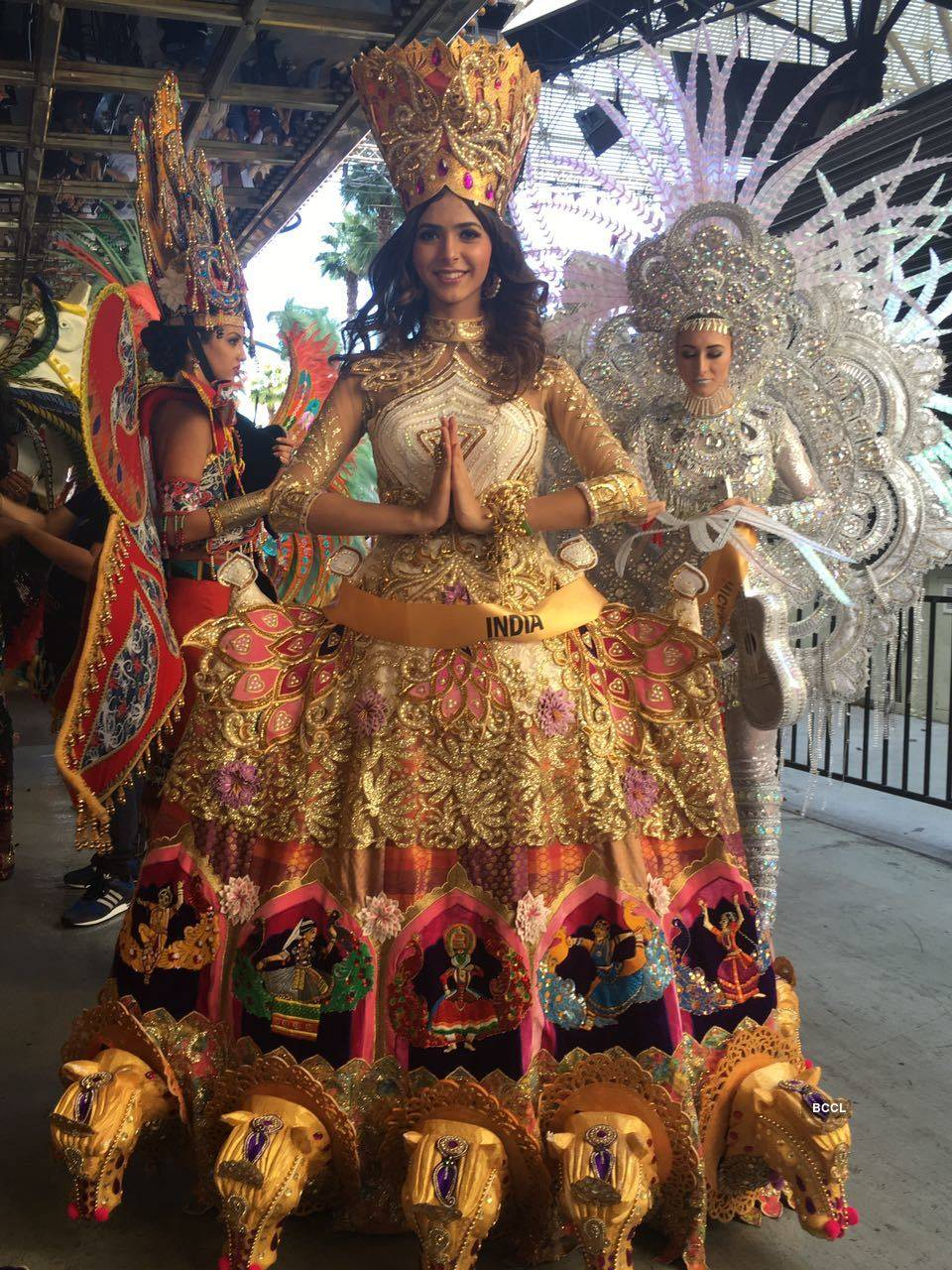 Pankhuri glitters in gold at the National Costume round