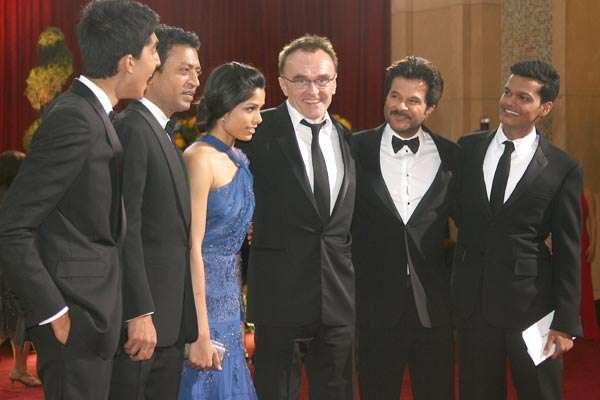 8 Oscars to 'Slumdog Millionaire'