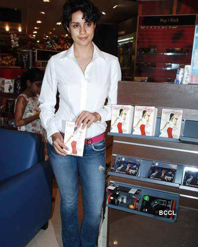 Gul at Book launch
