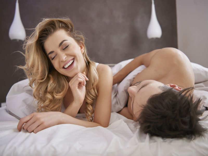 Women sexy humping men — img 1