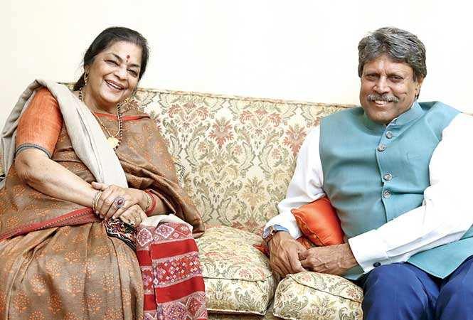 Uma Sharma and Kapil Dev(BCCL)