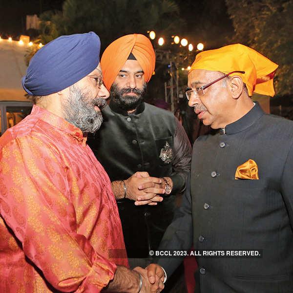 Politicos celebrate Gurpurab