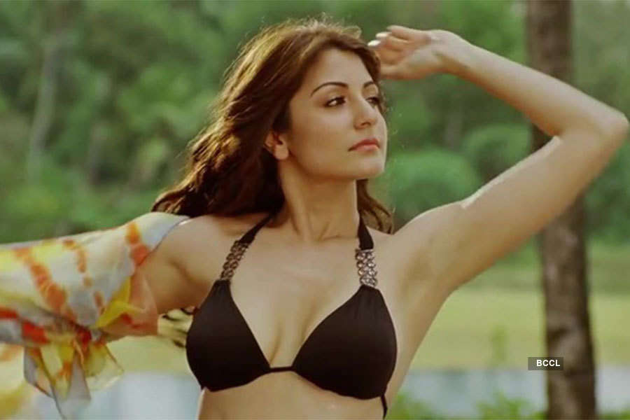 Anushka Sharma's sexy photos