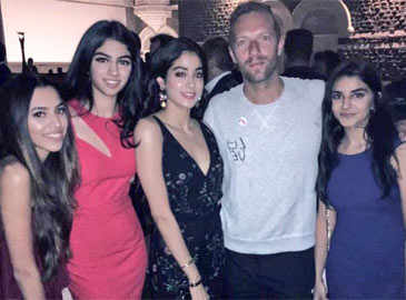 Bollywood welcomes Coldplay's Chris Martin in style