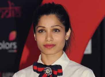 Proud of Priyanka's Hollywood success, says Freida Pinto
