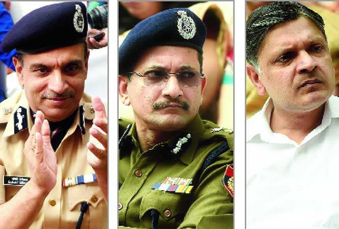 (L-R) Sanjay Beniwal, Special Commissioner of Police (Operations), Taj Hassan, Special CP, (Crime) who had additional charge of Traffic  and Arvind Deep, Special CP (security) (BCCL)