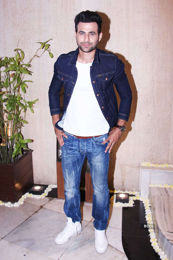 Manish Malhotra pre-b'day party