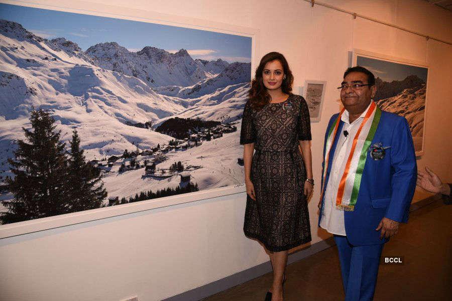 Dia Mirza @ Dr Batra's Photo Exhibition