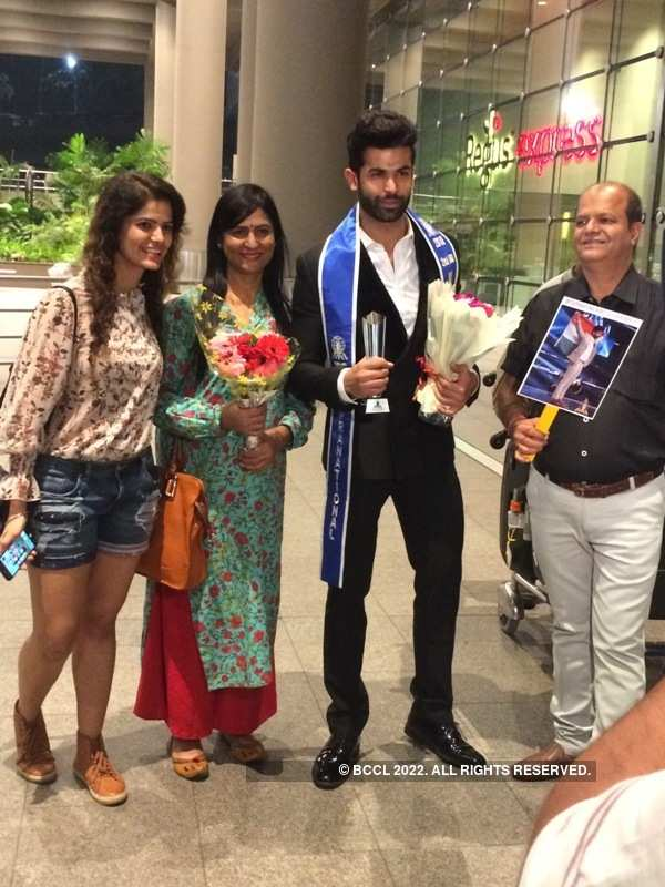 In Pics: Jitesh Thakur comes home to a grand welcome