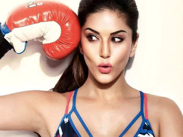 Sunny Leone: Sunny Leone: People are waiting for me to fall