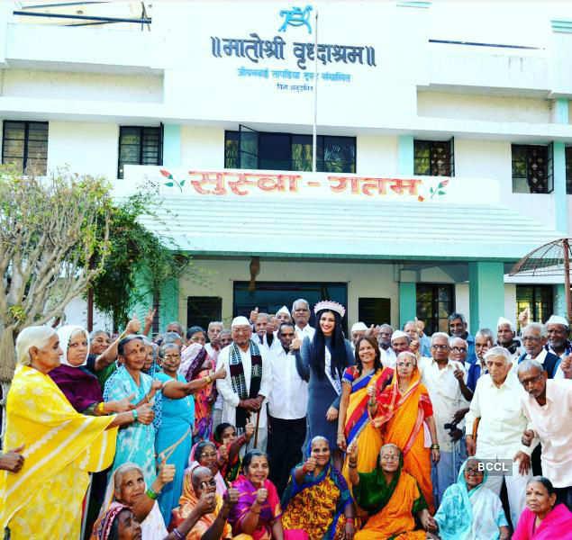 When Naveli Deshmukh visited Matoshree Vridhashram