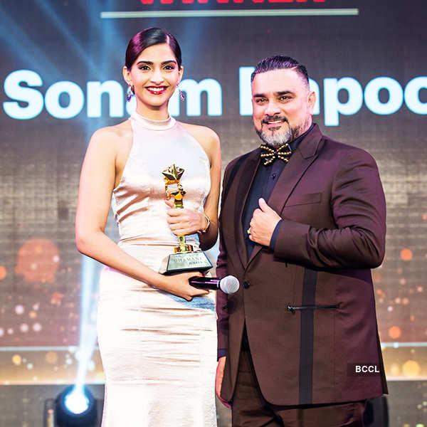 Bollywood Celebrities shine at Masala Awards