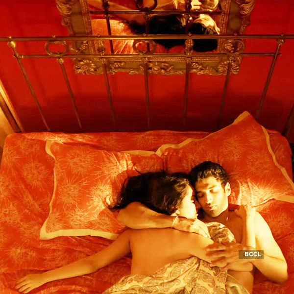 Topless Shraddha oozes oomph in Ok Jaanu