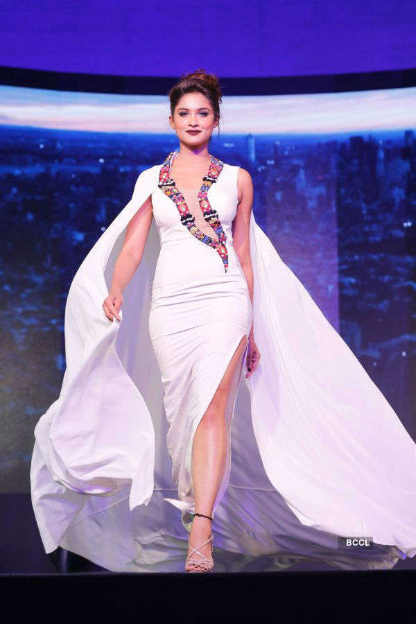 SRK, Alia support 100 pedriatic surgeries