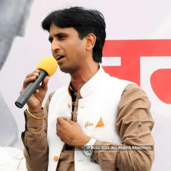AAP leader Kumar Vishwas may join BJP soon