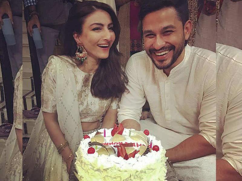 Soha Ali Khan Kunal Kemmu Celebrate Their Second Wedding Anniversary Love Story The Times Of India
