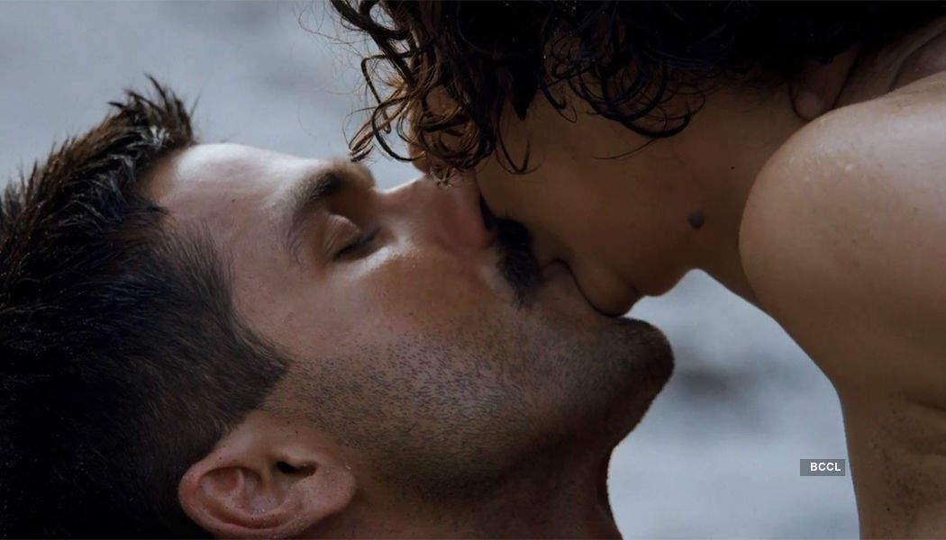Kangana Ranaut faces problem in kissing