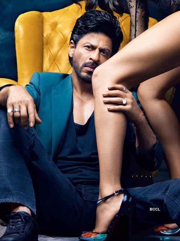 Shah Rukh Khan drops his pants when he hears 'pack-up'