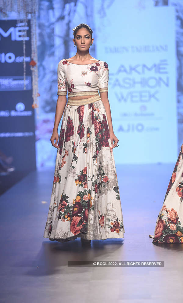 Lakme Fashion Week '17: Day 4 - Tarun Tahiliani