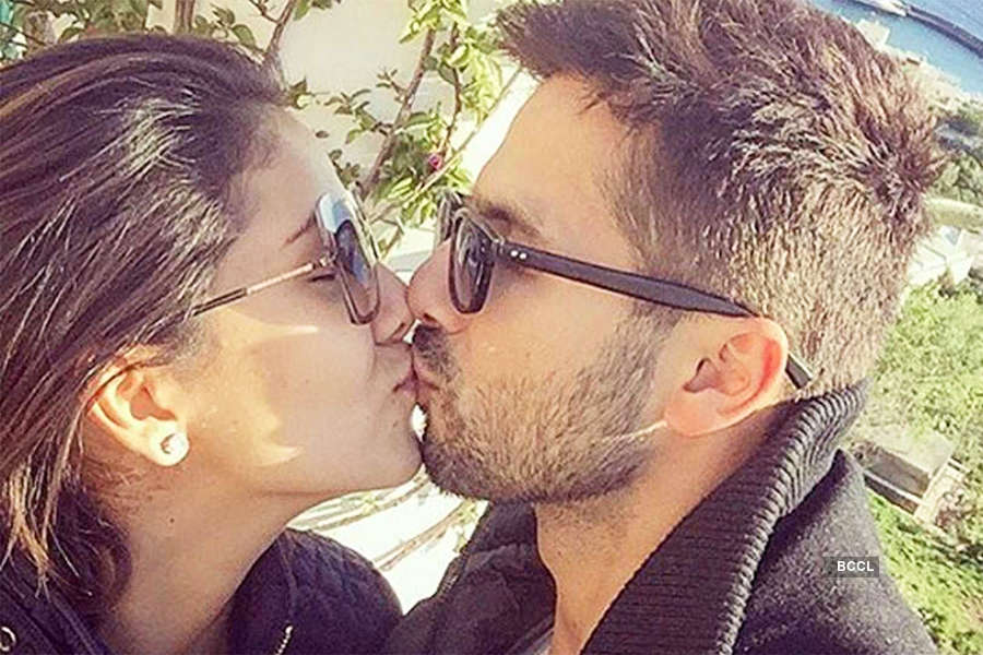 Shahid Kapoor's reacts to negative comments around Mira Rajput's pregnancy and early marriage