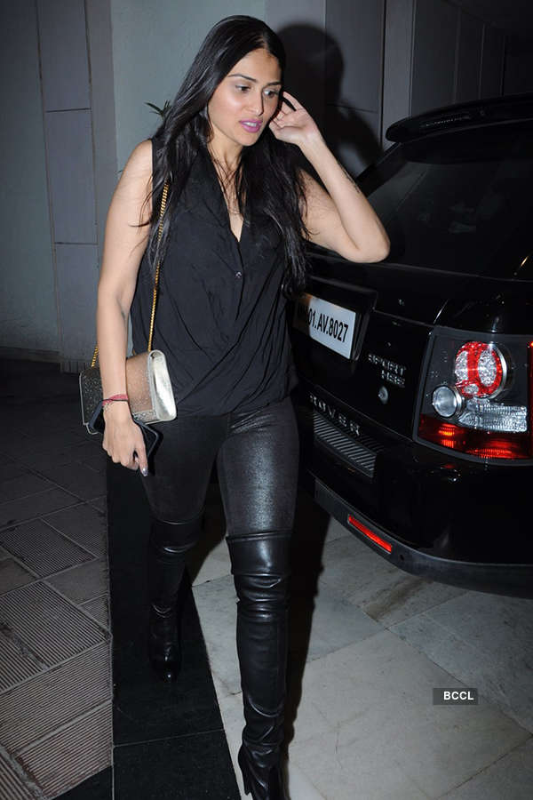 Sophie Choudry's b'day party
