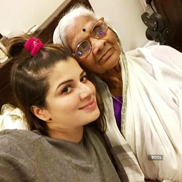 Actress celebrates Valentines Day with 85-year-old lady