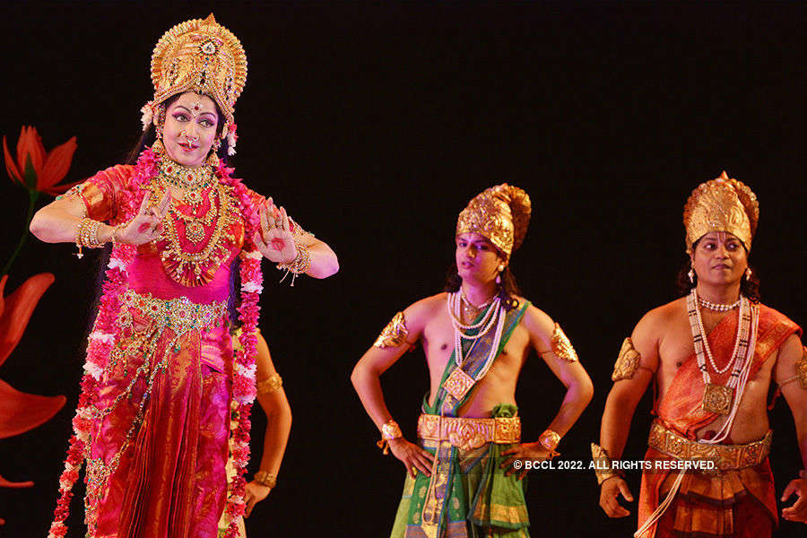 Hema Malini performs at Amaravathi Festival