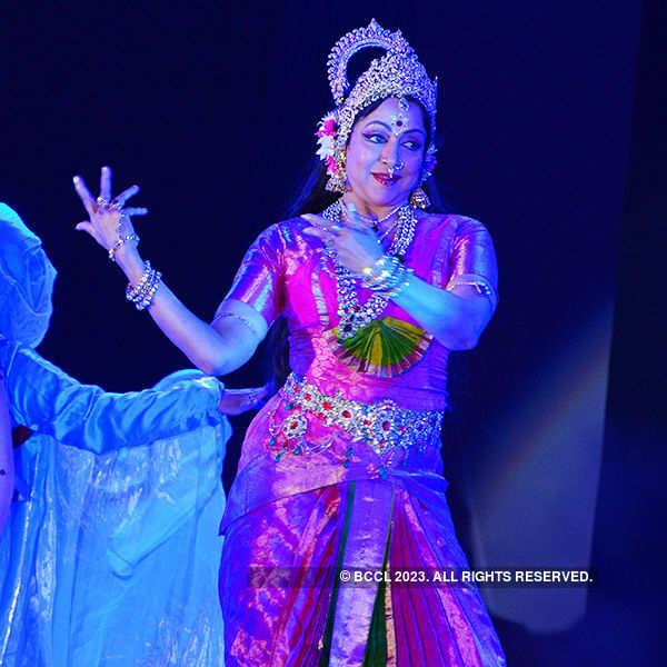 Hema Malini performs at Amaravathi Festival