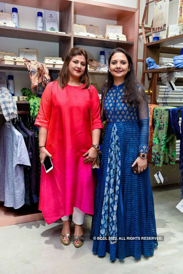 Linen Vogue store launch
