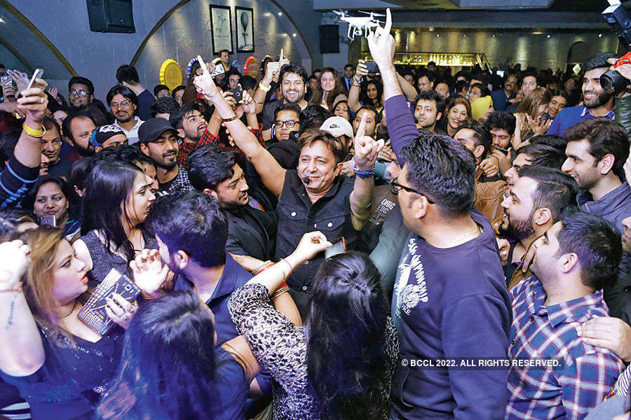 Sukhwinder Singh performs in the city