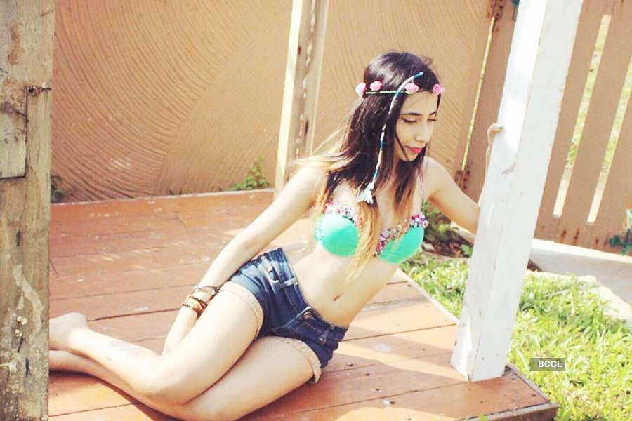 Instagram sensation Sakshi Chopra teases fans with her sultry pictures