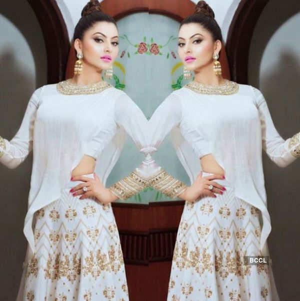 Urvashi Rautela stuns us with her style statement