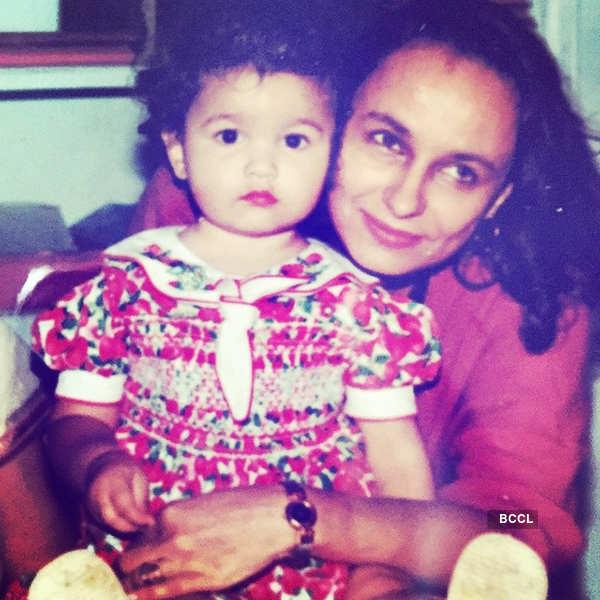 Mahesh Bhatt gets death threats for daughter Alia & wife Soni, details here...
