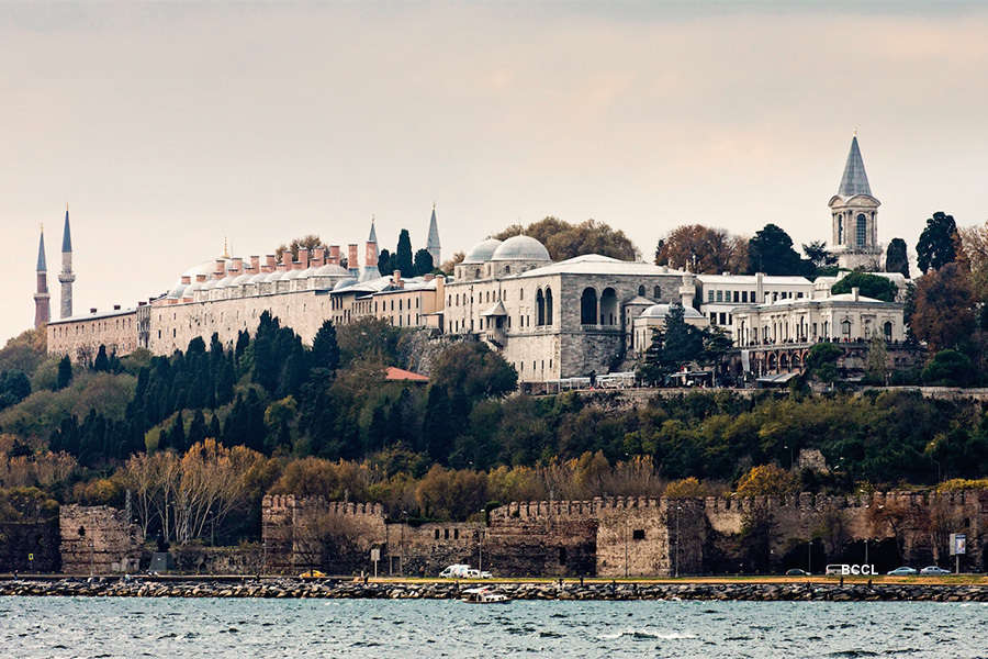 25 Largest Palaces In The World