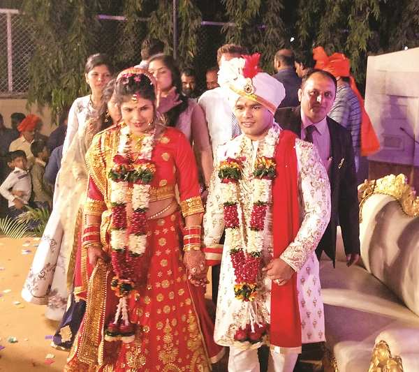 Wedding picture of Narsingh Yadav and Shilpi