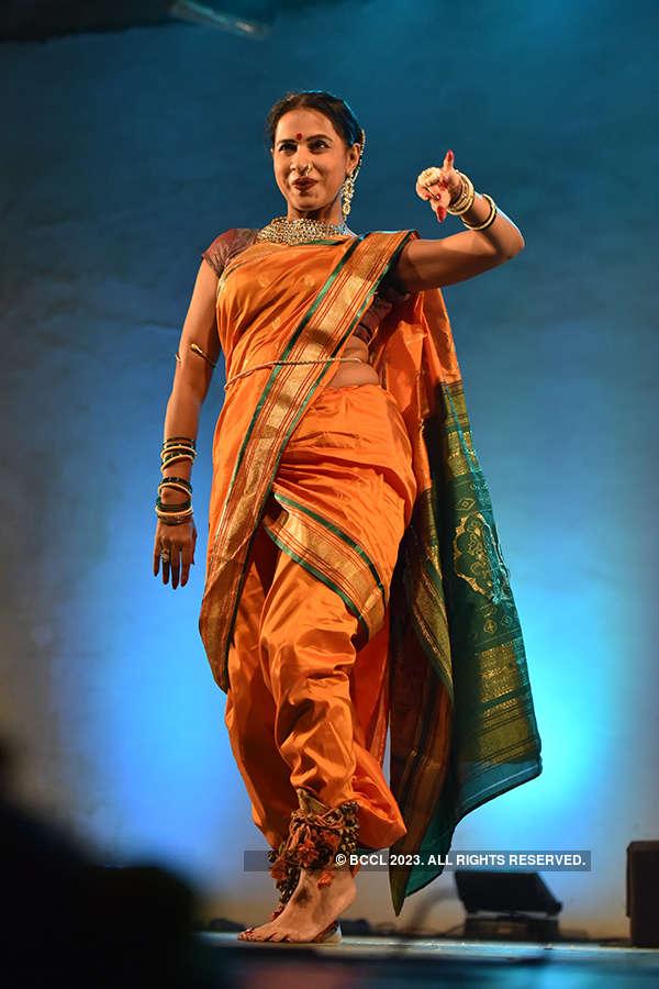 Dance tribute to Ashwini Ekbote