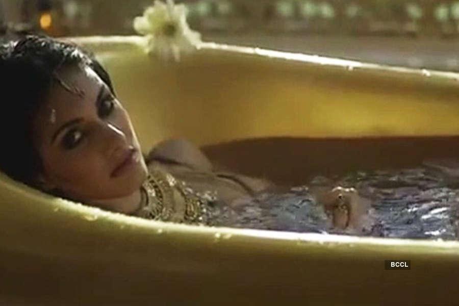 When hot divas set the bathtub on fire!