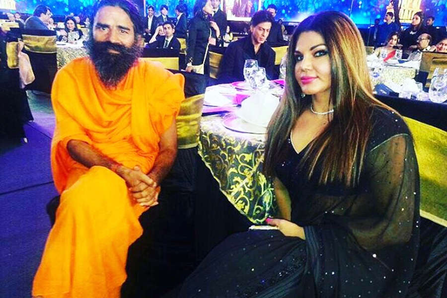 Bollywood's item girl Rakhi Sawant faces arrest warrant?