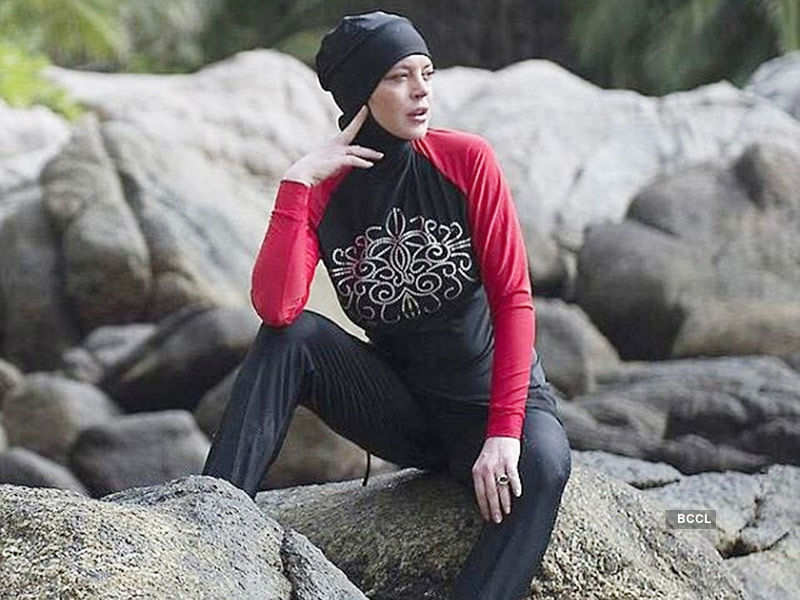 Lindsay Lohan flaunts burkini at Thailand beach