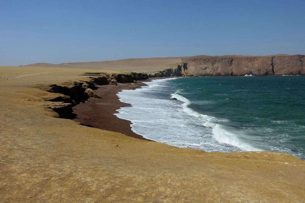Playa de La Mina, Paracas