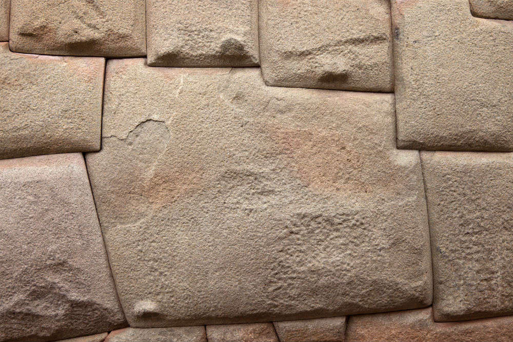 The Twelve Angle Stone, Cusco