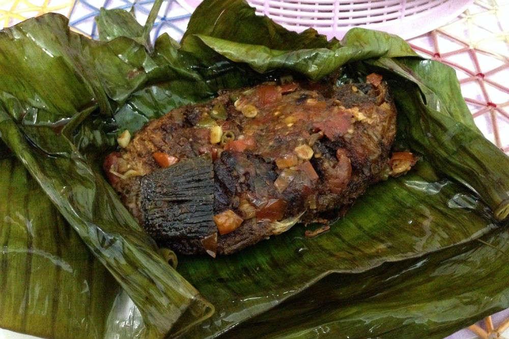 Eat 'Karimeen Pollichathu' like a local