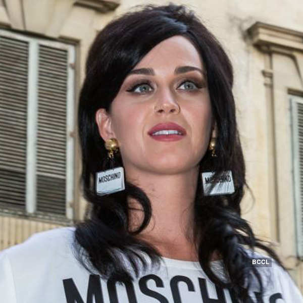 Katy Perry flaunts an outfit by Moshino