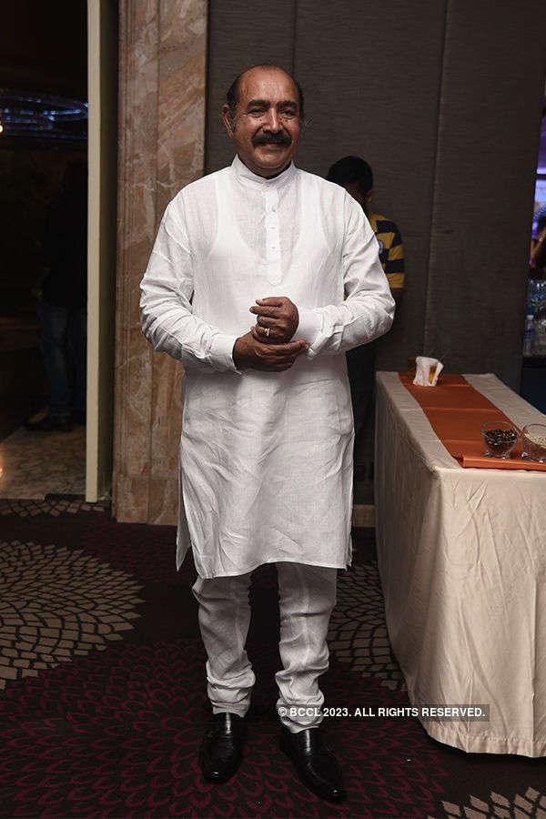 Vijayakumar's felicitation